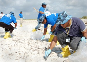First-prize-winning-photo-osha-contest-public-oil_spill