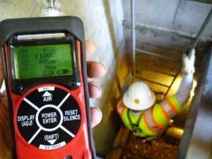 honorable_mention_osha_photo_contest-Gas_monitor